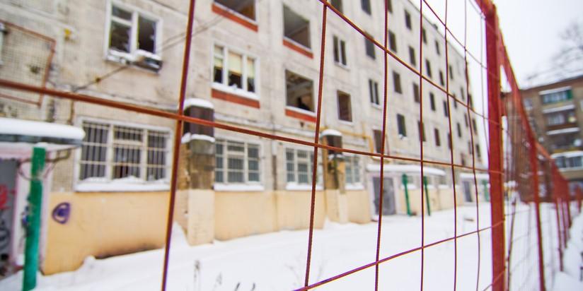 Снос пятиэтажного дома в Москве