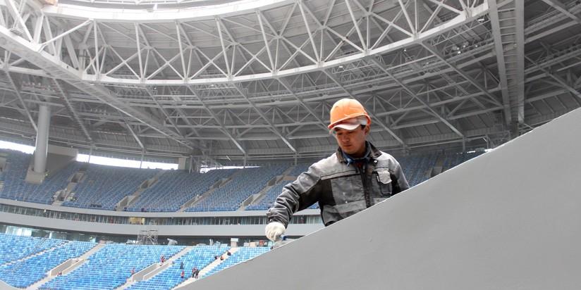 Поле «Зенит-Арены» перемещено запределы стадиона назиму