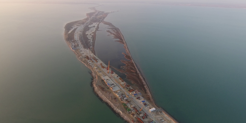 4 парома курсируют через Керченский пролив