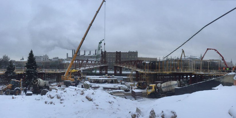 Основные работы напарящем мосту в«Зарядье» закончат кмаю