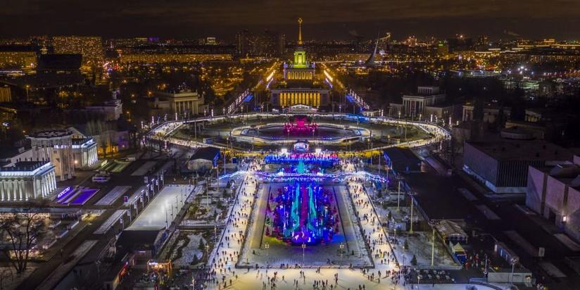 Каток наВДНХ откроют 1декабря акробатическим шоу навысоте 35 метров
