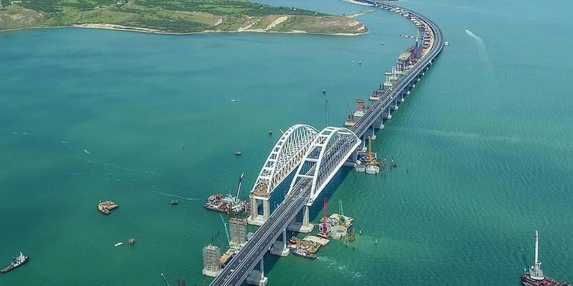 Евросоюз ввел санкции из-за строительства моста в Крым