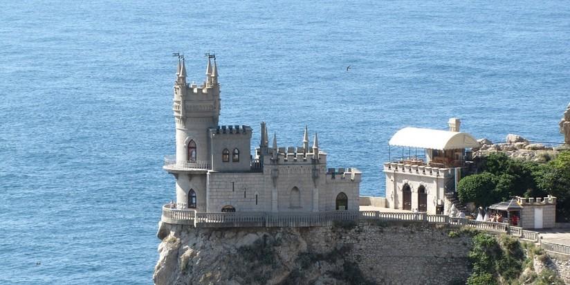 ГлавгосэкспертизаРФ одобрила реставрацию замка «Ласточкино гнездо» вКрыму