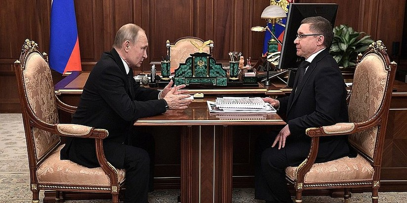 Президент Владимир Путин и глава Минстроя Владимир Якушев
