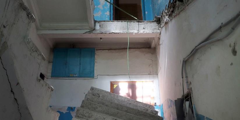 Обрушение лестничного пролета в жилом доме в Энгельсе