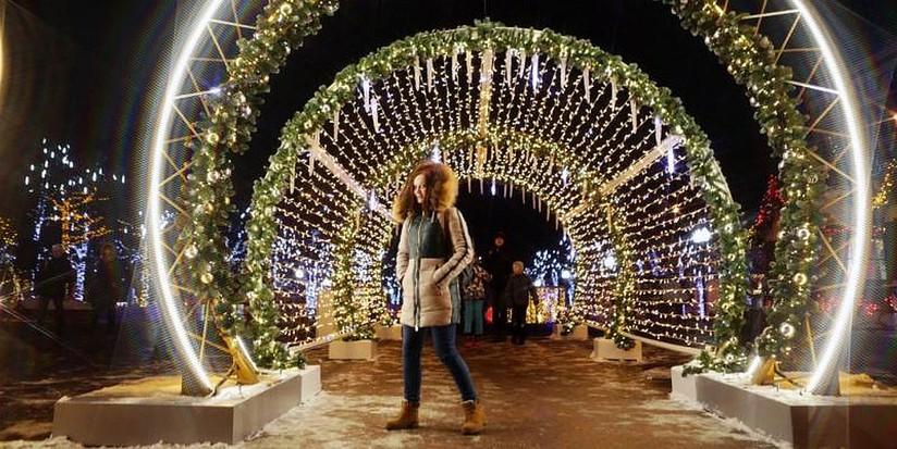 До15декабря в столице появятся 52 новогодние елки